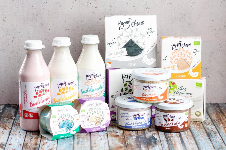 Happy Cheeze - Food Startup aus Cuxhaven für vegane Käse-, Milch- und Frischkäse-Alternativen. Eine Beteiligung von FRECH & WUEST
